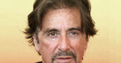 al pacino 3 390x205 - Al Pacino Biography - life Story, Career, Awards, Age, Height