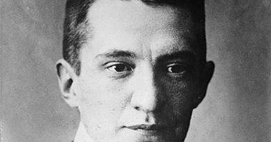 alexander kerensky 2 390x205 - Alexander Kerensky Biography - life Story, Career, Awards, Age, Height