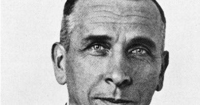 alfred wegener 1 390x205 - Alfred Wegener Biography - life Story, Career, Awards, Age, Height