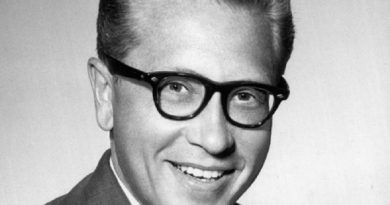 allen ludden 1 390x205 - Allen Ludden Biography - life Story, Career, Awards, Age, Height