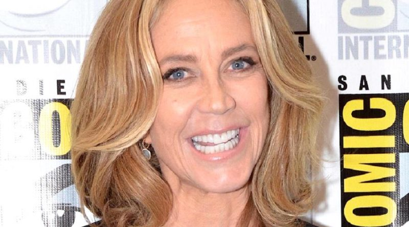 ally walker 1 800x445 - Ally Walker Biography - life Story, Career, Awards, Age, Height