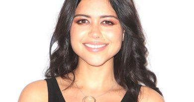 alyssa diaz 1 390x205 - Alyssa Diaz Biography - life Story, Career, Awards, Age, Height