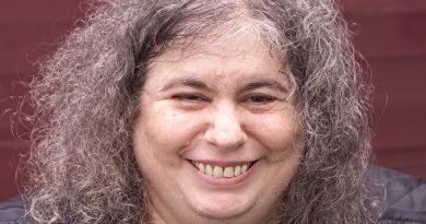 andrea dworkin 2 390x205 - Andrea Dworkin Biography - life Story, Career, Awards, Age, Height
