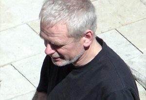 andy goldsworthy 1 300x205 - Andy Goldsworthy Biography - life Story, Career, Awards, Age, Height