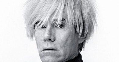 andy warhol 3 1 390x205 - Andy Warhol Biography - life Story, Career, Awards, Age, Height