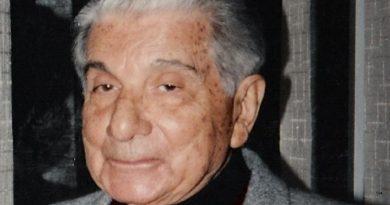 augusto roa bastos 5 1 390x205 - Augusto Roa Bastos Biography - life Story, Career, Awards, Age, Height