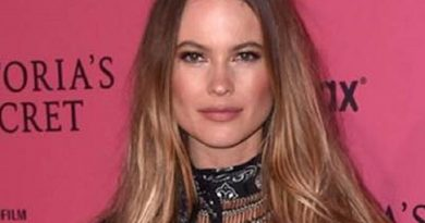 behati prinsloo 3 390x205 - Behati Prinsloo Biography - life Story, Career, Awards, Age, Height