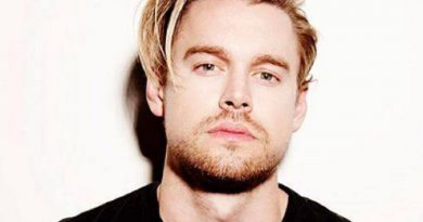chord overstreet 1 390x205 - Chord Overstreet Biography - life Story, Career, Awards, Age, Height