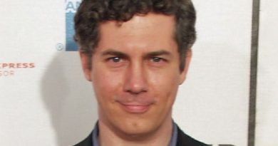 chris parnell 1 390x205 - Chris Parnell Biography - life Story, Career, Awards, Age, Height