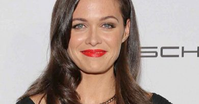 christine woods 1 390x205 - Christine Woods Biography - life Story, Career, Awards, Age, Height