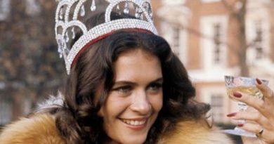 cindy breakspeare 1 1 390x205 - Cindy Breakspeare Biography - life Story, Career, Awards, Age, Height