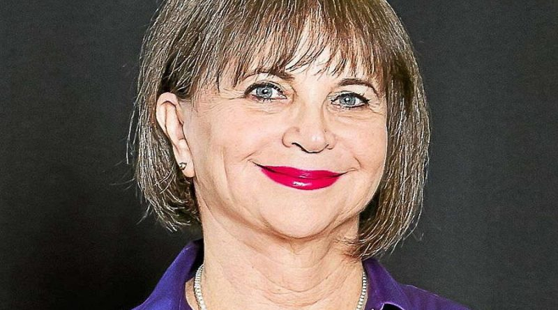 cindy williams 7 800x445 - Cindy Williams Biography - life Story, Career, Awards, Age, Height