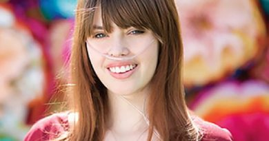 claire wineland 6 390x205 - Claire Wineland Biography - life Story, Career, Awards, Age, Height