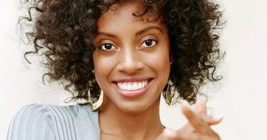condola rashad 2 1 390x205 - Condola Rashad Biography - life Story, Career, Awards, Age, Height