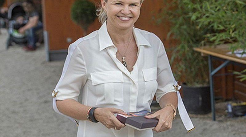 corinna schumacher 1 800x445 - Corinna Schumacher Biography - life Story, Career, Awards, Age, Height