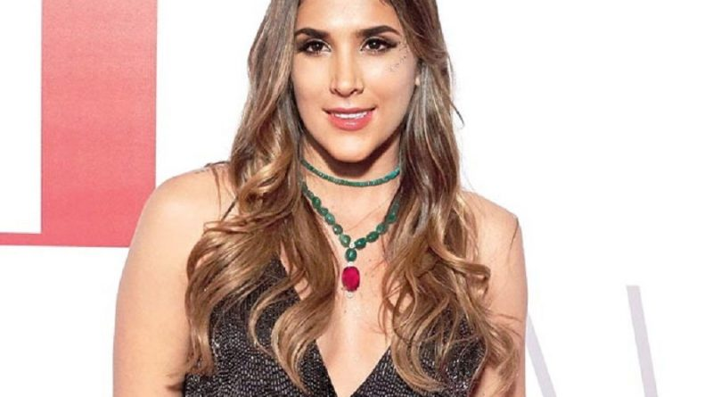 daniela ospina 1 800x445 - Daniela Ospina Biography - life Story, Career, Awards, Age, Height