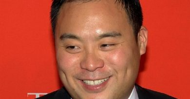 david chang 1 390x205 - David Chang Biography - life Story, Career, Awards, Age, Height