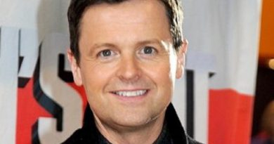 declan donnelly 7 390x205 - Declan Donnelly Biography - life Story, Career, Awards, Age, Height