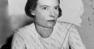 dorothy day 3 390x205 - Dorothy Day Biography - life Story, Career, Awards, Age, Height