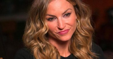 drea de matteo 4 1 390x205 - Drea de Matteo Biography - life Story, Career, Awards, Age, Height