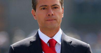 enrique pea nieto 3 1 390x205 - Enrique Peña Nieto Biography - life Story, Career, Awards, Age, Height