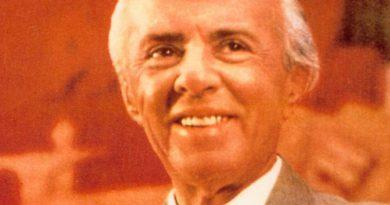 enver hoxha 1 390x205 - Enver Hoxha Biography - life Story, Career, Awards, Age, Height