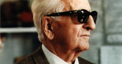 enzo ferrari 2 390x205 - Enzo Ferrari Biography - life Story, Career, Awards, Age, Height