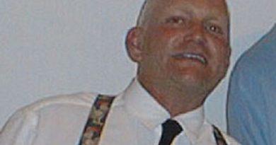 eric douglas 1 390x205 - Eric Douglas Biography - life Story, Career, Awards, Age, Height