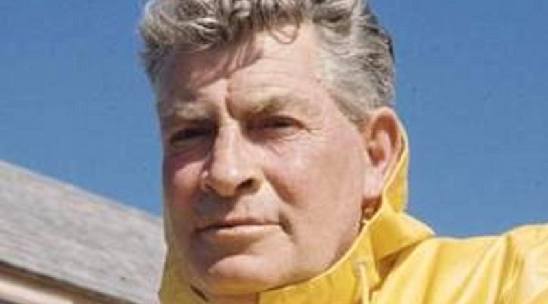 euell gibbons 1 1 800x445 - Euell Gibbons Biography - life Story, Career, Awards, Age, Height