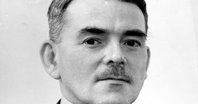 frank whittle 1 390x205 - Frank Whittle Biography - life Story, Career, Awards, Age, Height