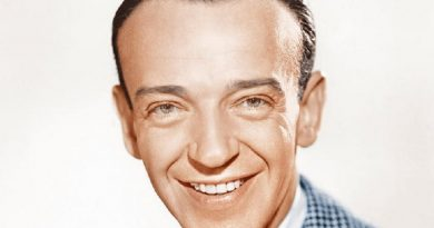 fred astaire 4 390x205 - Fred Astaire Biography - life Story, Career, Awards, Age, Height