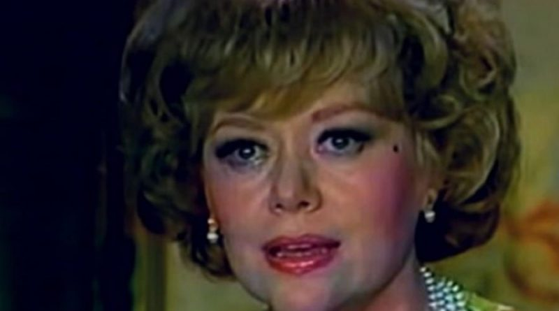 glynis johns 1 1 800x445 - Glynis Johns Biography - life Story, Career, Awards, Age, Height