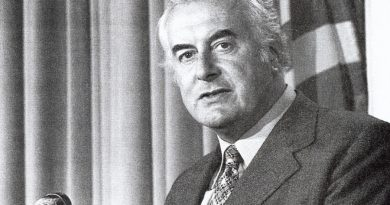 gough whitlam 3 390x205 - Gough Whitlam Biography - life Story, Career, Awards, Age, Height