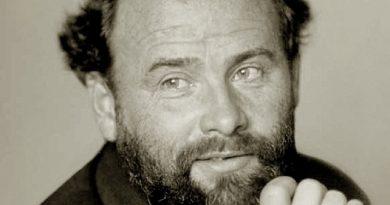 gustav klimt 2 390x205 - Gustav Klimt Biography - life Story, Career, Awards, Age, Height