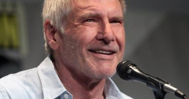 harrison ford 5 390x205 - Harrison Ford Biography - life Story, Career, Awards, Age, Height