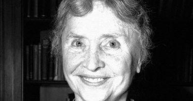 helen keller 12 390x205 - Helen Keller Biography - life Story, Career, Awards, Age, Height