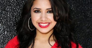 jasmine villegas 1 390x205 - Jasmine Villegas Biography - life Story, Career, Awards, Age, Height