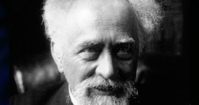 jean baptiste perrin 1 390x205 - Jean Baptiste Perrin Biography - life Story, Career, Awards, Age, Height