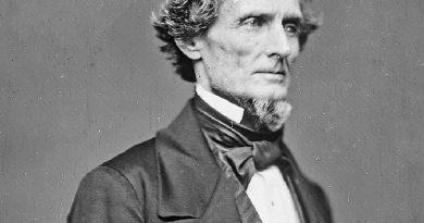 jefferson davis 3 390x205 - Jefferson Davis Biography - life Story, Career, Awards, Age, Height