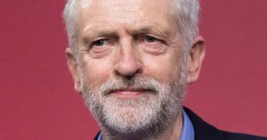 jeremy corbyn 6 390x205 - Jeremy Corbyn Biography - life Story, Career, Awards, Age, Height