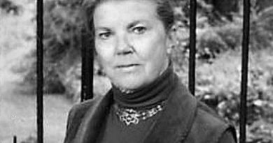 joan aiken 2 390x205 - Joan Aiken Biography - life Story, Career, Awards, Age, Height
