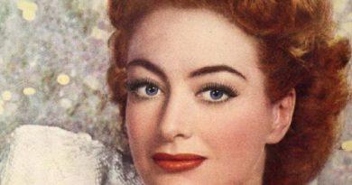 joan crawford 6 390x205 - Joan Crawford Biography - life Story, Career, Awards, Age, Height