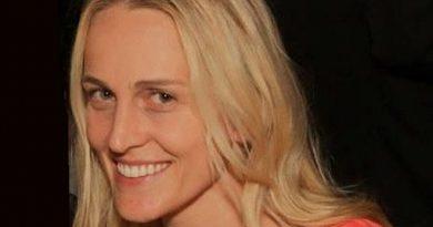 joanne tucker 1 1 390x205 - Joanne Tucker Biography - life Story, Career, Awards, Age, Height