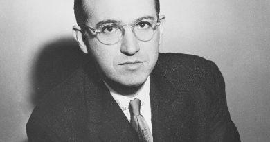 jonas salk 1 390x205 - Jonas Salk Biography - life Story, Career, Awards, Age, Height