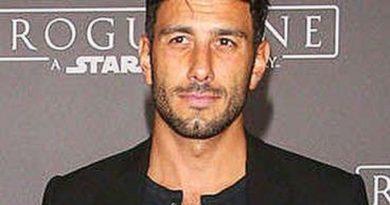 jwan yosef 4 390x205 - Jwan Yosef Biography - life Story, Career, Awards, Age, Height