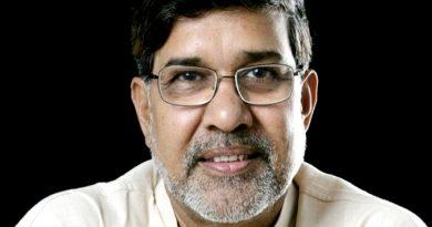 kailash satyarthi 3 390x205 - Kailash Satyarthi Biography - life Story, Career, Awards, Age, Height