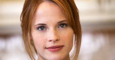 katie leclerc 7 1 390x205 - Katie Leclerc Biography - life Story, Career, Awards, Age, Height