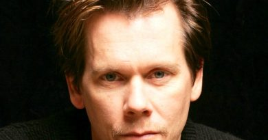 kevin norwood bacon 390x205 - Kevin Norwood Bacon Biography - life Story, Career, Awards, Age, Height