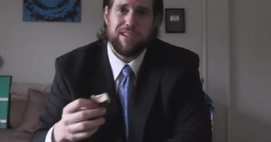 kevin thomas strahle 1 390x205 - L.A. Beast Biography - life Story, Career, Awards, Age, Height