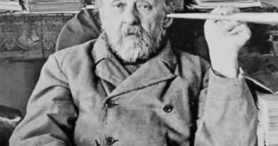 konstantin tsiolkovsky 2 390x205 - Konstantin Tsiolkovsky Biography - life Story, Career, Awards, Age, Height